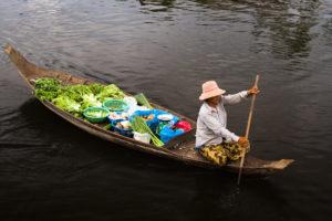 shop-floating-village