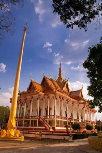 mekong kratie 100 pillar pagoda