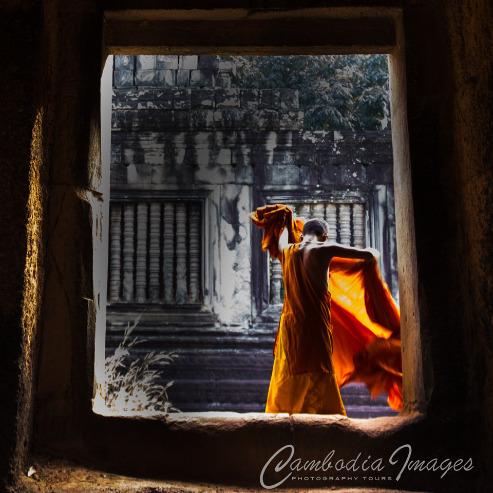 Angkor wat monk photography